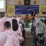 SMK N 1 Karanganyar Datangkan Bambang Eka Purnama Untuk Guru Tamu 2016 Untuk Menghadapi Bonus Demografi